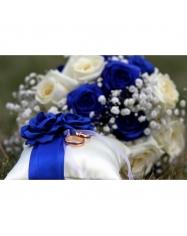 Pagalvėlė žiedam su rožytėm, 15x15 cm